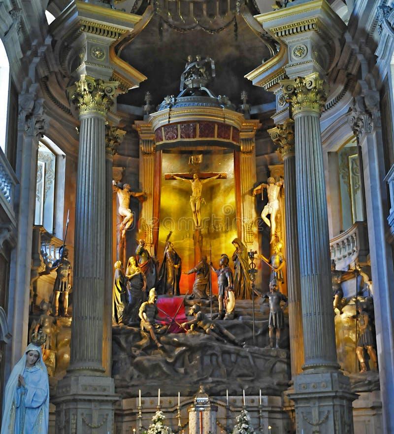 Download Interior da igreja imagem de stock. Imagem de holy, catholic - 16859713