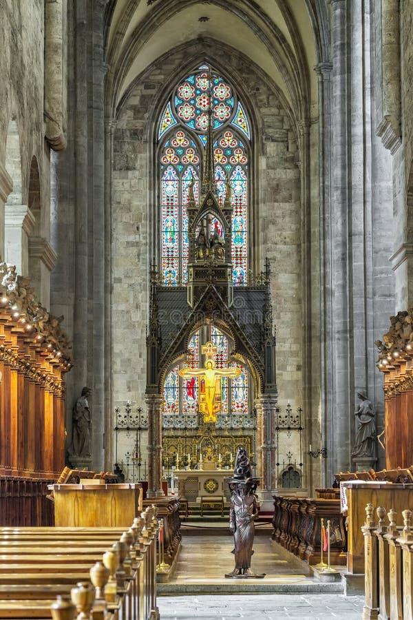 Interior da igreja da abadia da cruz santamente na madeira de Viena fotografia de stock royalty free