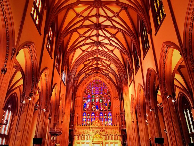 Interior da igreja de trindade em New York imagens de stock