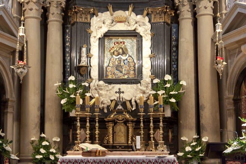 Interior da igreja em Kalwaria Zebrzydowska. imagem de stock royalty free