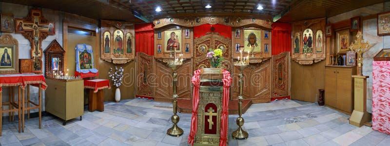 Interior da igreja ortodoxa, panorama fotos de stock royalty free