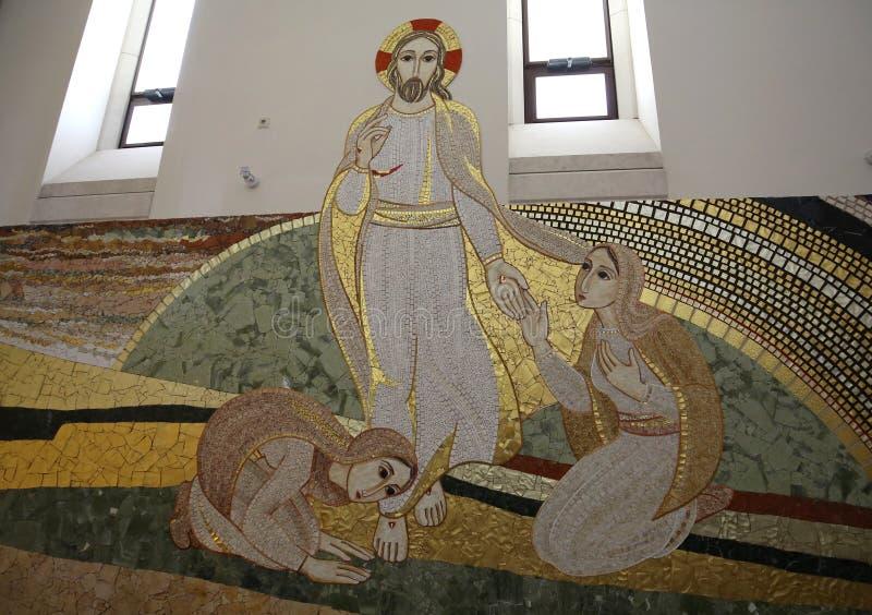 Interior da igreja superior principal no centro do papa John Paul II em Cracow imagem de stock
