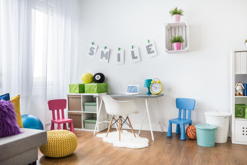 Interior da sala de criança imagem de stock