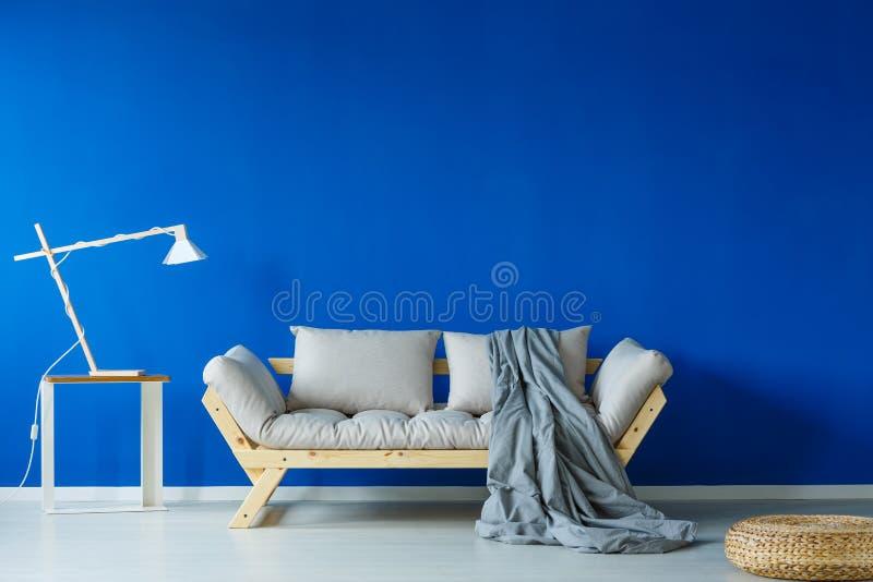 Interior da sala de dia minimalista fotografia de stock royalty free