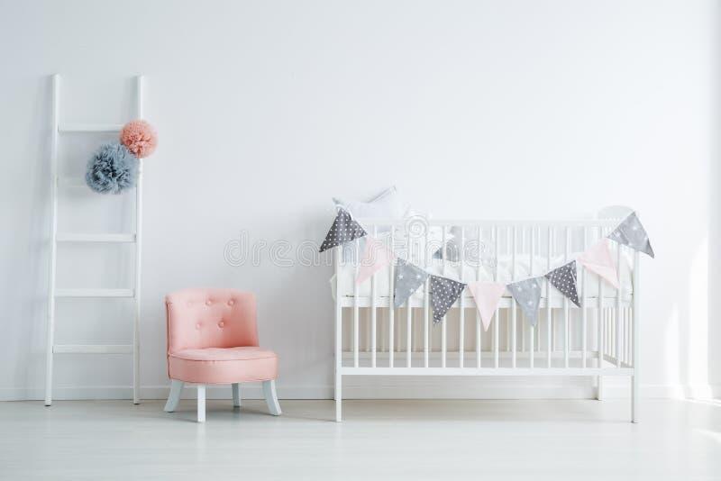 Interior da sala do ` s do bebê de Minimalistic fotografia de stock royalty free
