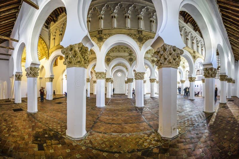 Interior da sinagoga espanhola antiga fotos de stock