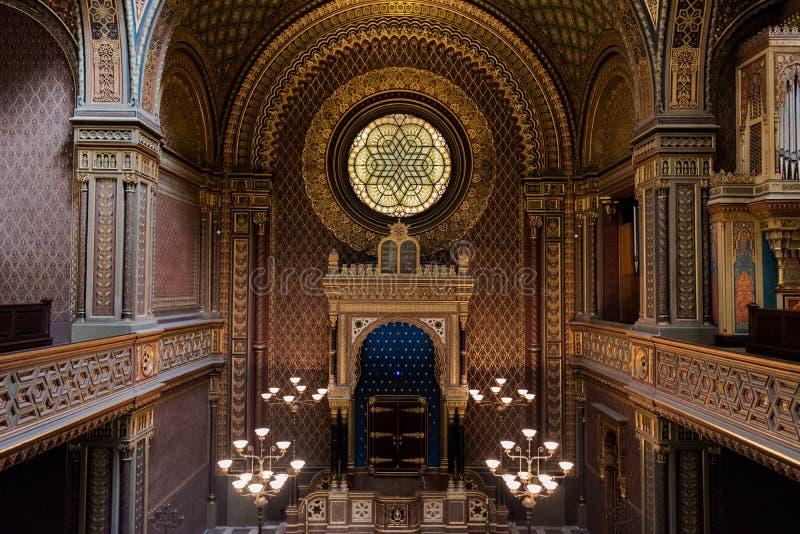 Interior da sinagoga espanhola, Praga - República Checa imagem de stock royalty free