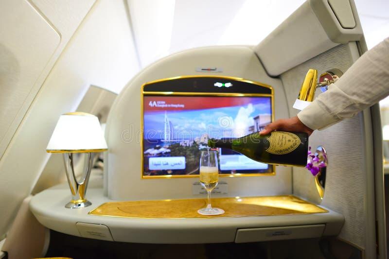 Interior de Airbus A380 dos emirados foto de stock