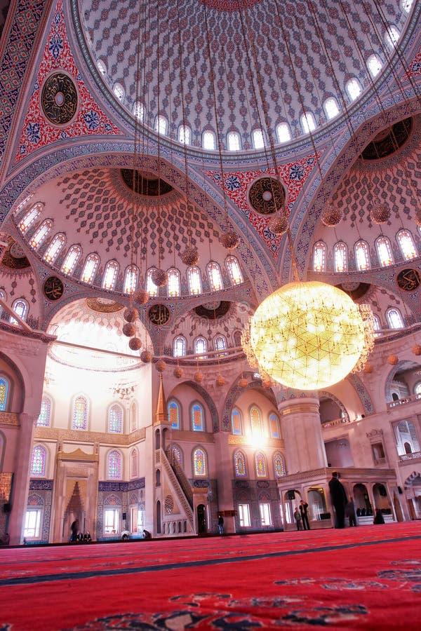 Interior de Ancara, Turquia - de mesquita de Kocatepe foto de stock royalty free