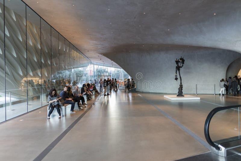 Interior de Art Museum contemporáneo amplio foto de archivo libre de regalías
