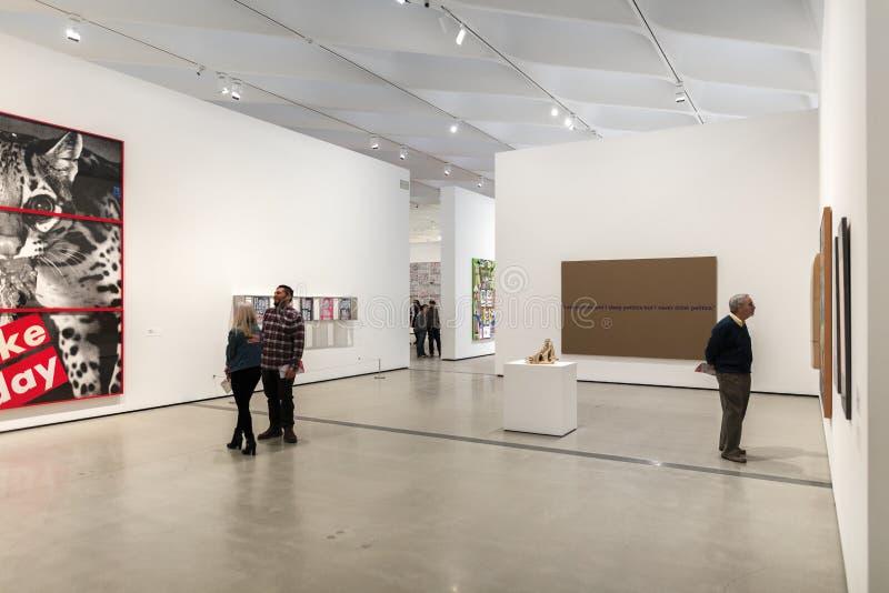 Interior de Art Museum contemporâneo largo imagem de stock royalty free