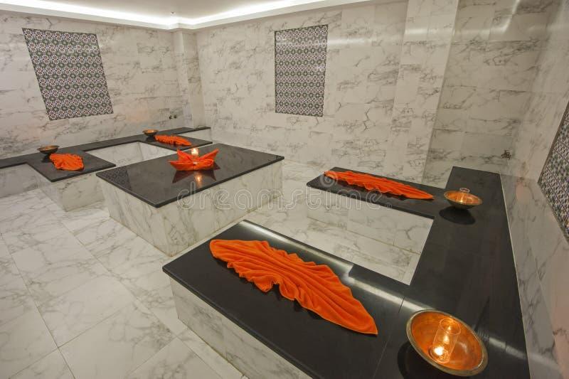 Interior de banhos turcos no centro de saúde foto de stock royalty free