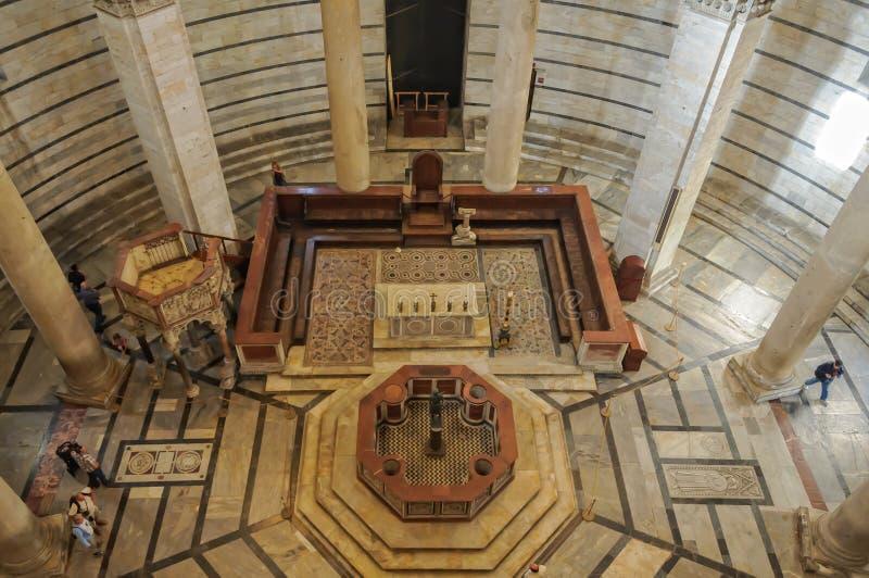 Interior de Battistero - Pisa fotos de stock royalty free