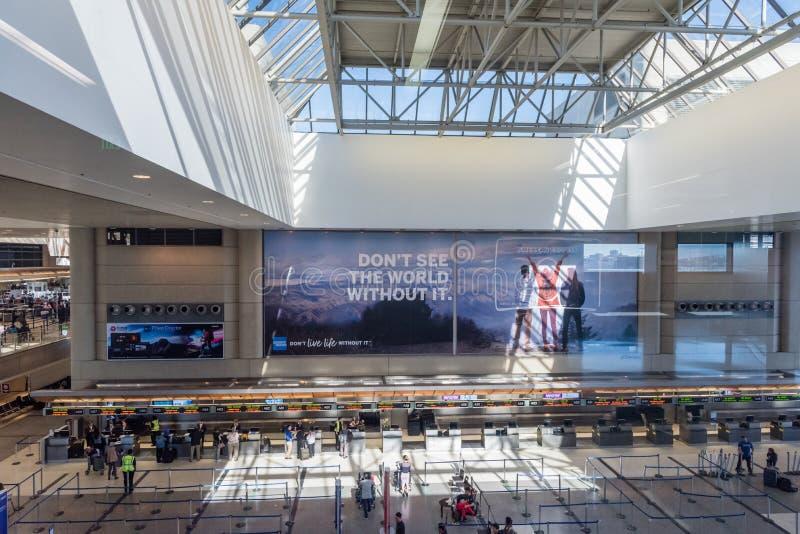 Interior de Bradley Terminal en el LAX, Los Angeles, California imagen de archivo libre de regalías