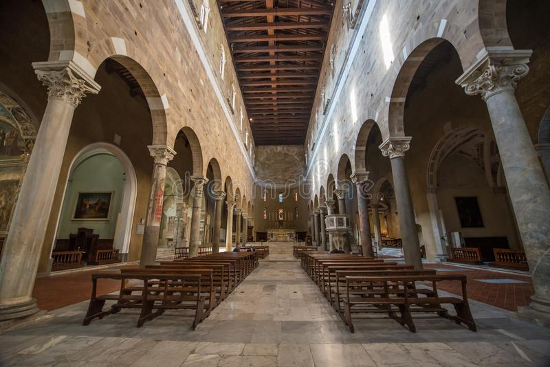 Interior de Chiesa di San Salvatore Lucca fotos de stock royalty free