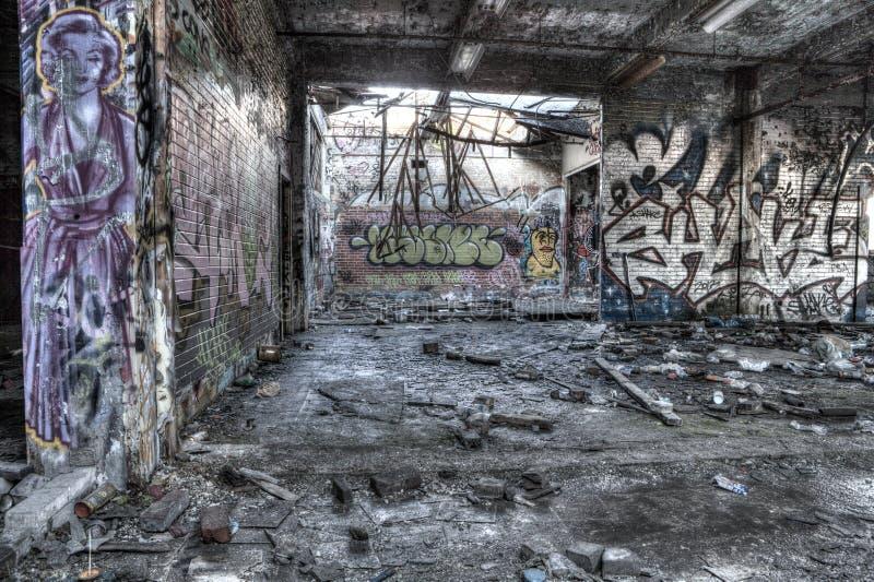 Interior de construção dilapidado imagens de stock royalty free