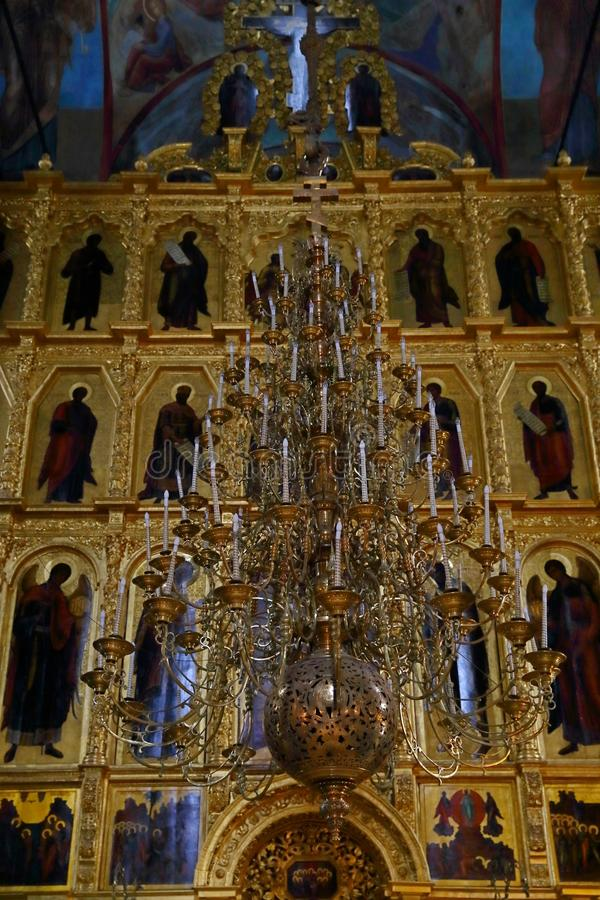 Interior de Dormition - catedral da suposição na trindade Lavra fotografia de stock