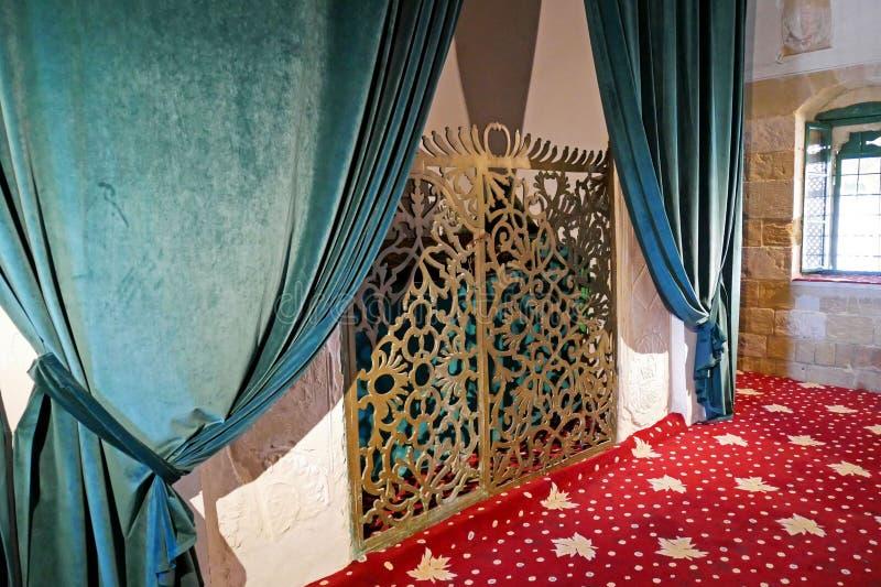 Interior de Hala Sultan Tekke Mosque cerca de Larnaca, Chipre foto de archivo
