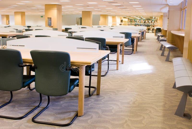 Interior de la biblioteca fotografía de archivo