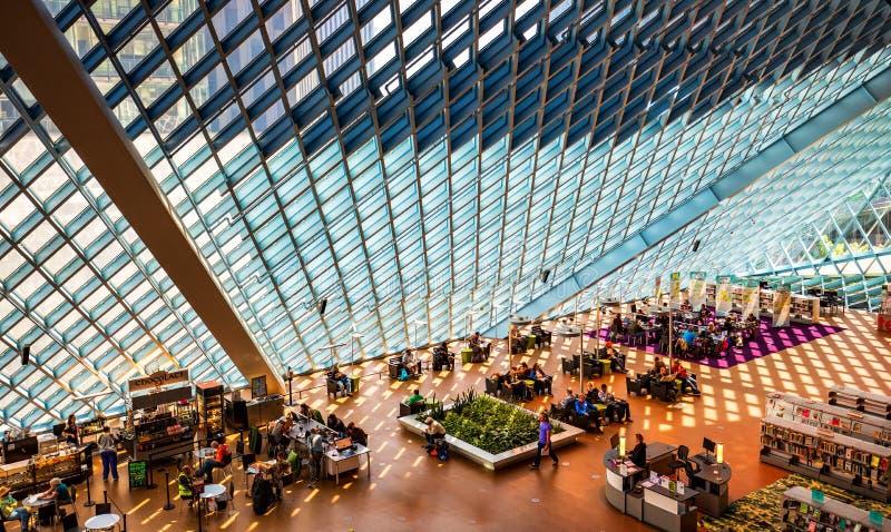 Interior de la biblioteca pública de Seattle fotos de archivo