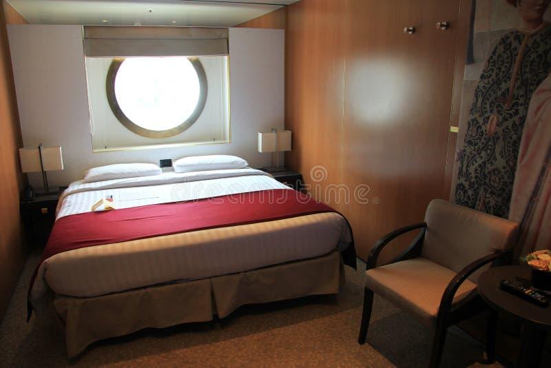Interior de la cabina del barco de cruceros