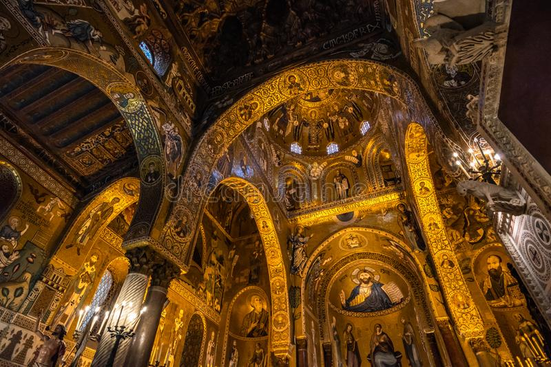 Interior de la capilla de Palatine de Palermo, Sicilia, Italia fotografía de archivo libre de regalías