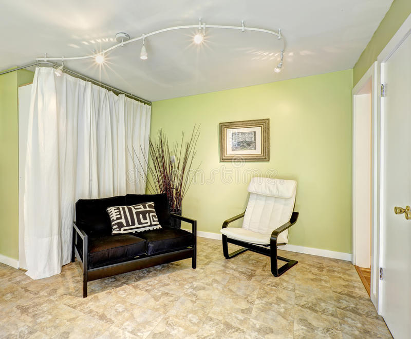 Interior de la casa del campo sala de estar con las - Cortinas para casa de campo ...