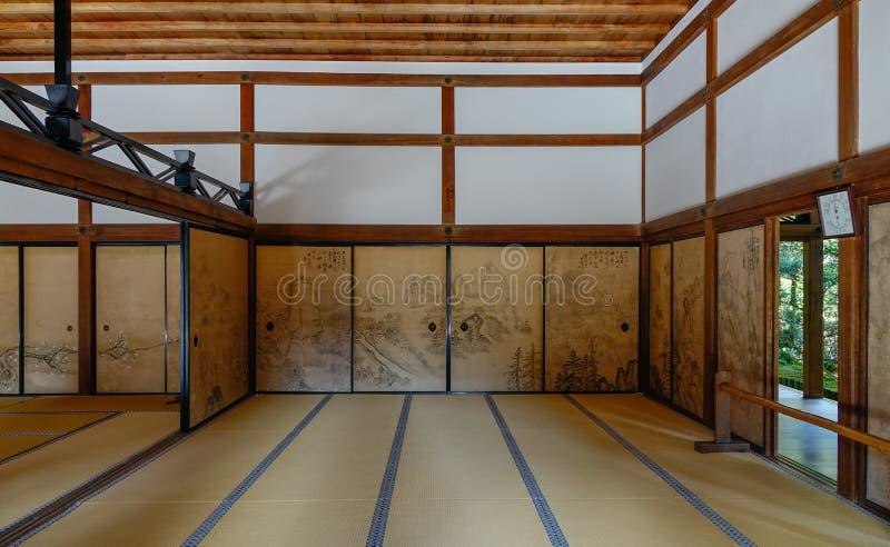 Interior de la casa japonesa tradicional imagen de archivo libre de regalías