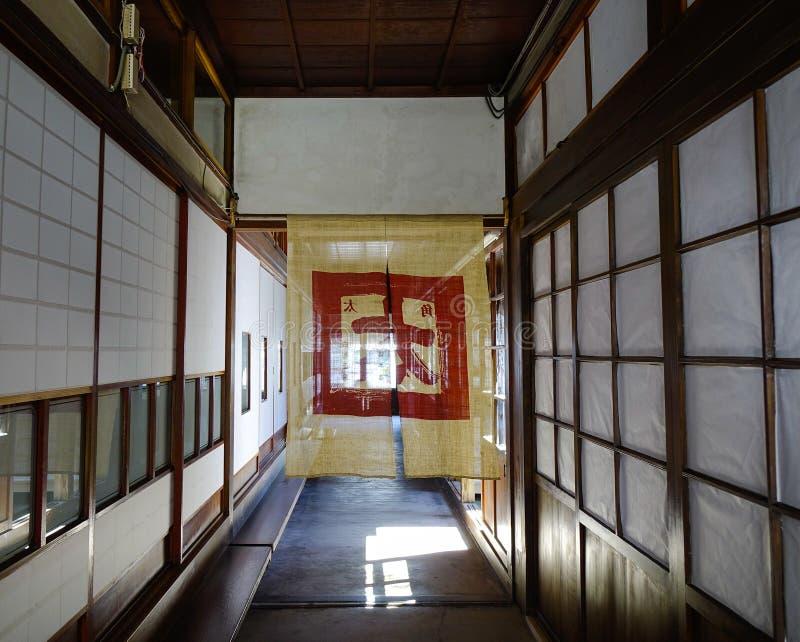 Interior de la casa de madera tradicional japonesa fotografía de archivo libre de regalías