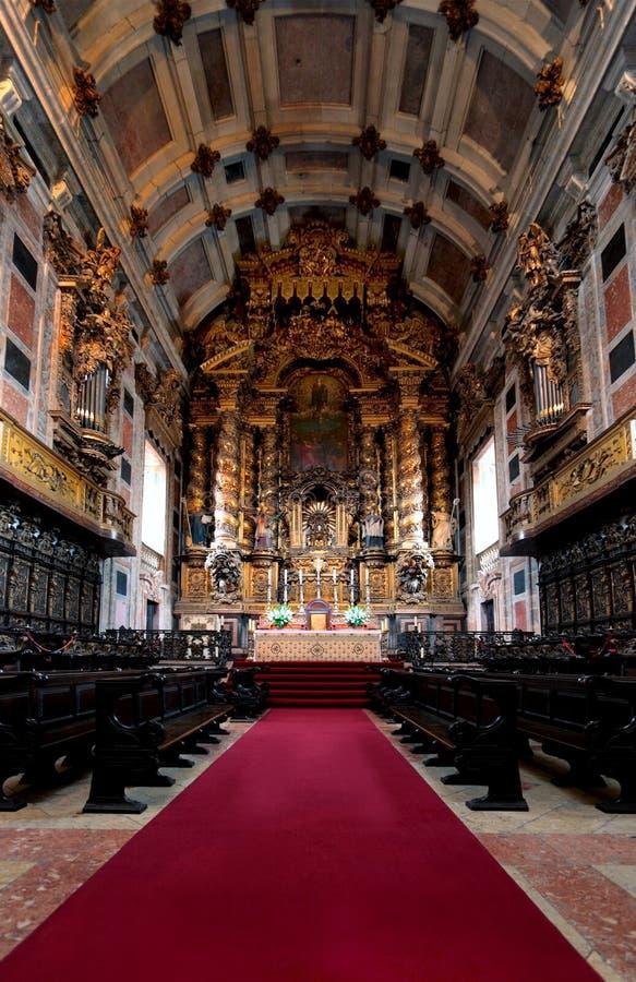 Interior de la catedral fotografía de archivo libre de regalías