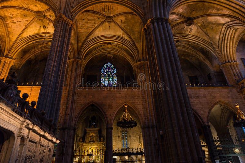 Interior de la catedral de Barcelona foto de archivo libre de regalías