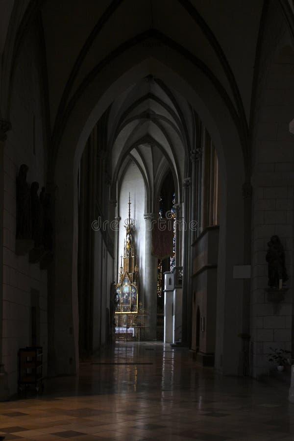 Interior de la catedral de Augsburg foto de archivo