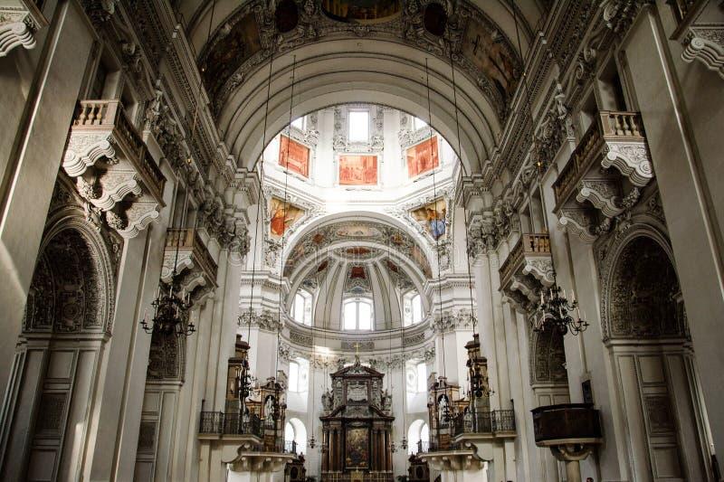 Interior de la catedral de Salzburg foto de archivo libre de regalías