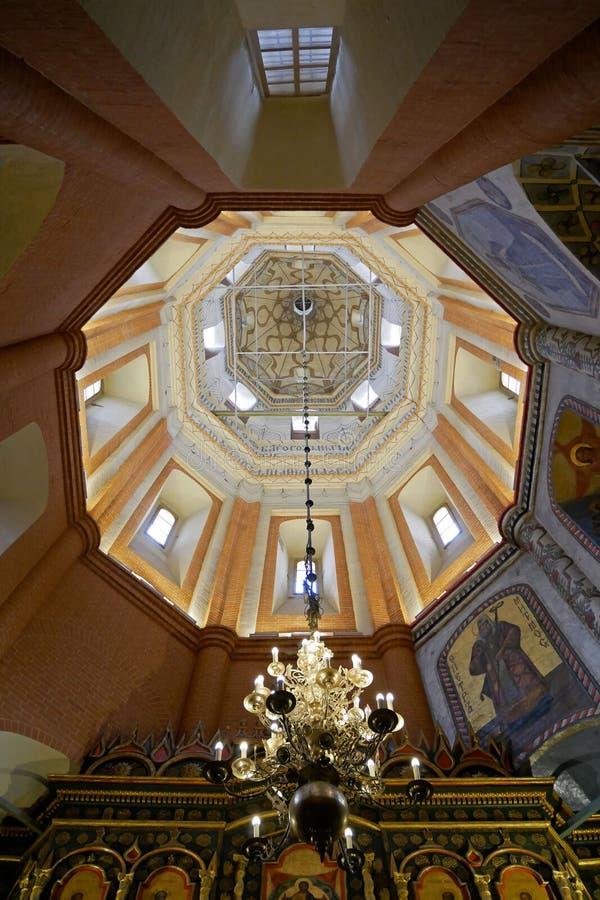 Interior de la catedral del ` s de la albahaca del St en cuadrado rojo , Moscú, Rusia imagen de archivo