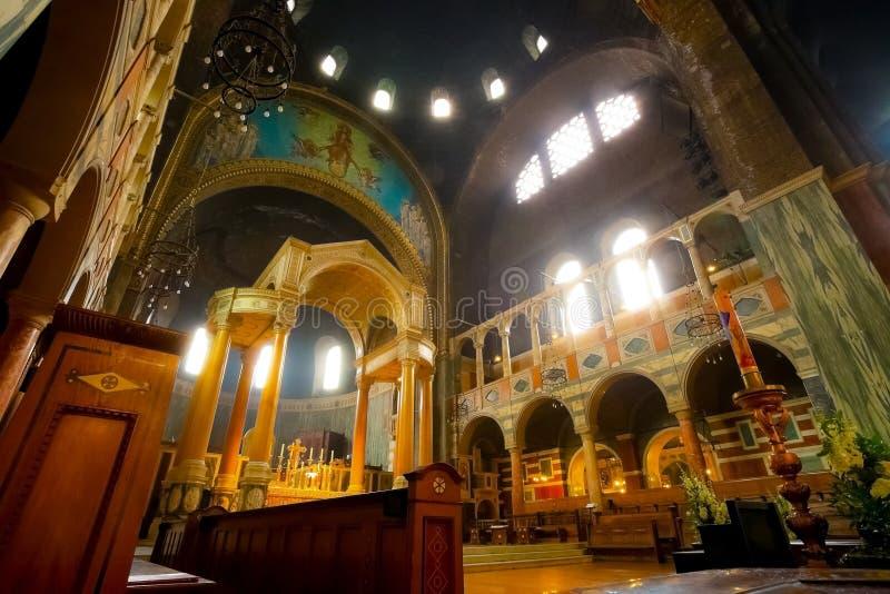 Interior de la catedral de Westminster o de la catedral metropolitana de la sangre preciosa de nuestro Lord Jesus Christ en Londr foto de archivo libre de regalías
