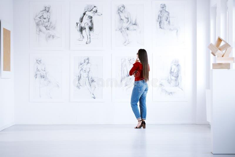 Interior de la galería de arte fotografía de archivo