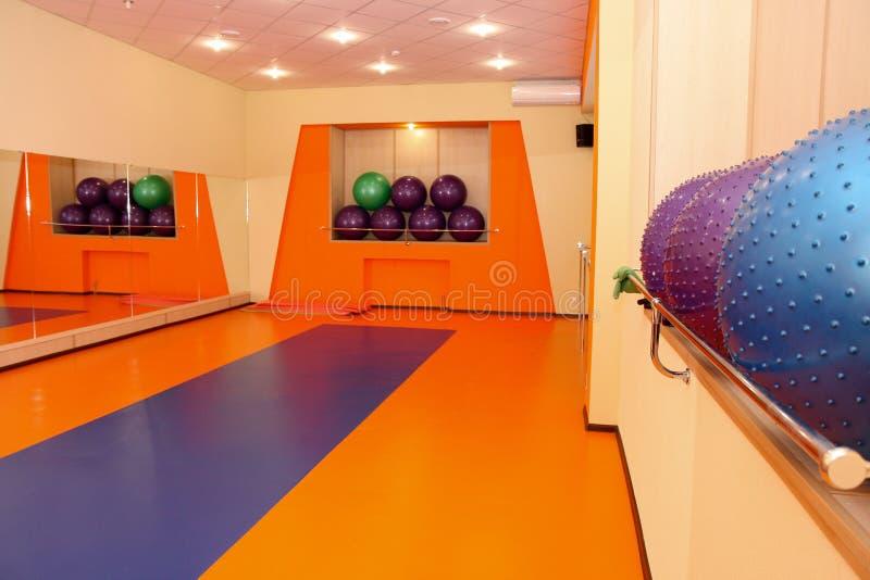 Interior de la gimnasia fotografía de archivo libre de regalías
