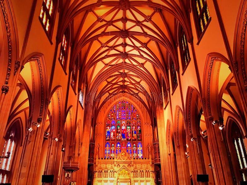 Interior de la iglesia de la trinidad en Nueva York imagenes de archivo