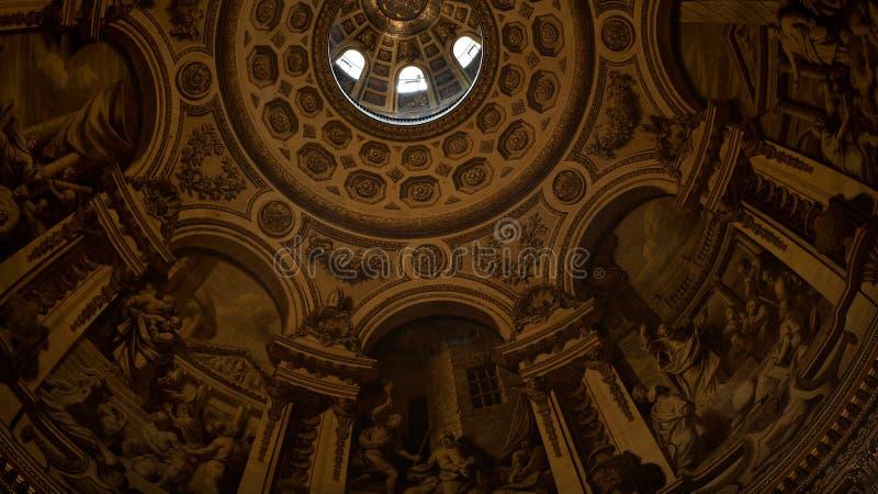 Interior de la iglesia de San Pablo en Londres imagen de archivo libre de regalías