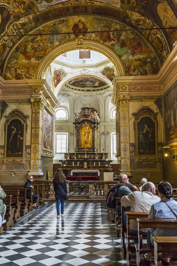 Interior de la iglesia del Roch santo, Lugano imagen de archivo
