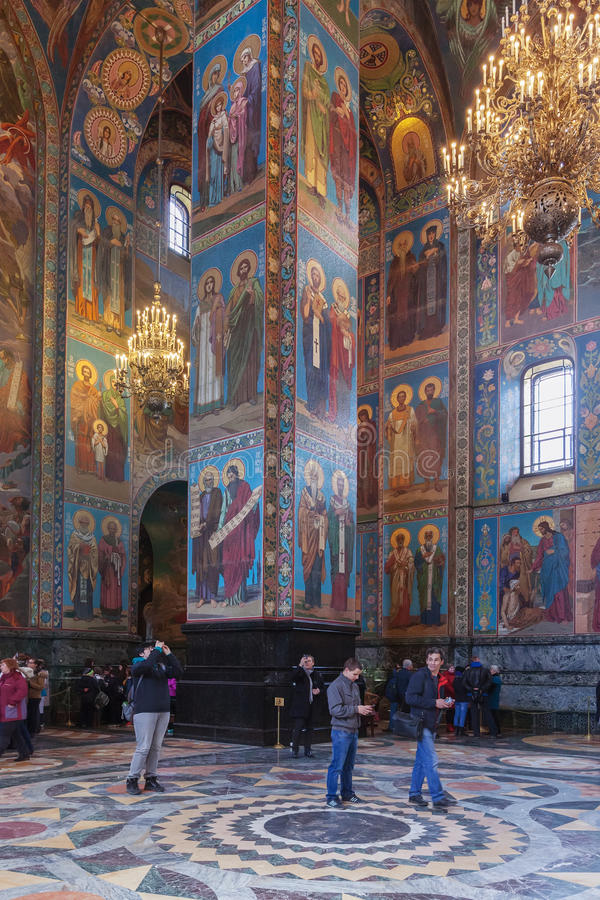 Interior de la iglesia del salvador en sangre derramada en el PE del St fotografía de archivo libre de regalías