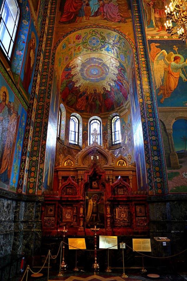 Interior de la iglesia del salvador en la sangre Spilled, St Petersburg fotos de archivo