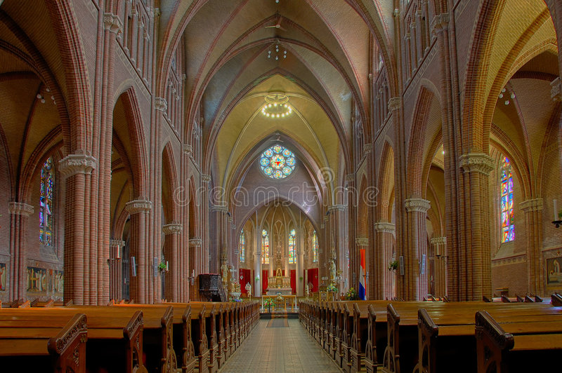 Interior de la iglesia en HDR fotografía de archivo libre de regalías