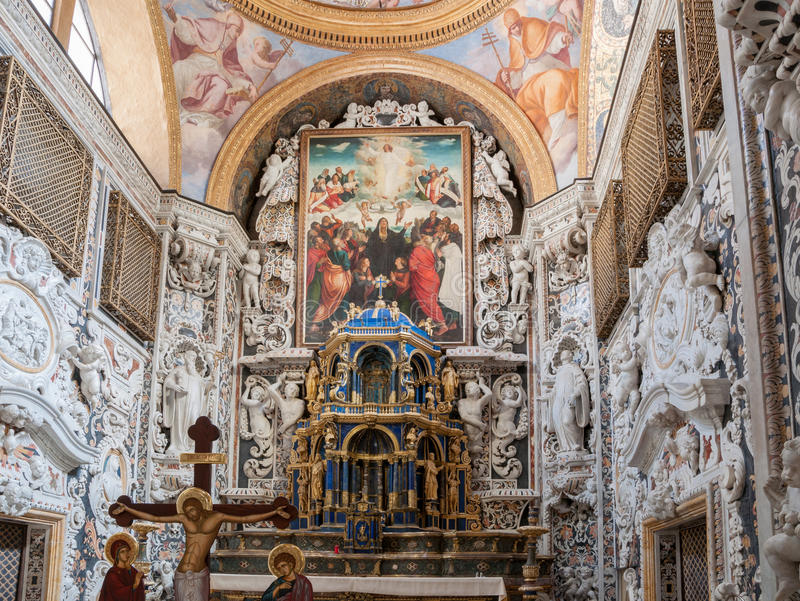 Interior de la iglesia famosa del ` Ammiraglio del dell de Santa Maria en Palermo fotografía de archivo