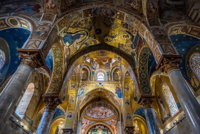 Interior de la iglesia de Martorana del La en Palermo, Sicilia, Italia fotos de archivo libres de regalías