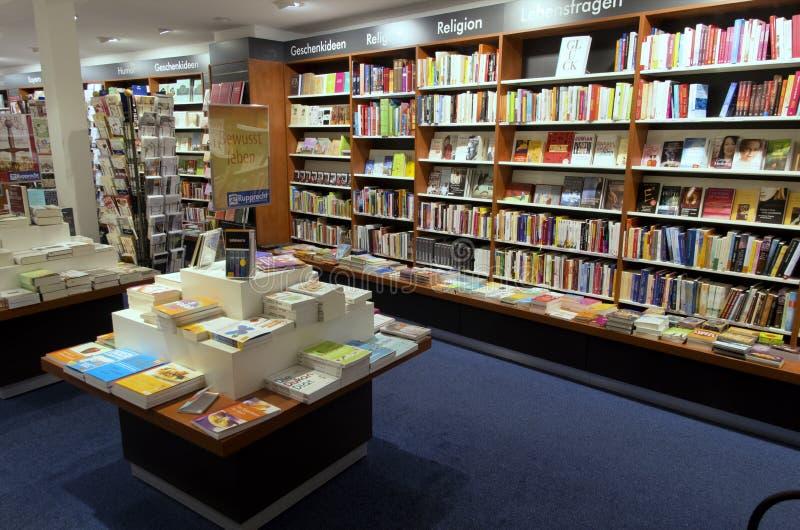 Interior de la librería fotografía de archivo