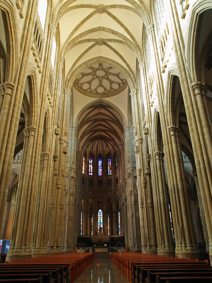 Interior de la nueva catedral fotografía de archivo libre de regalías