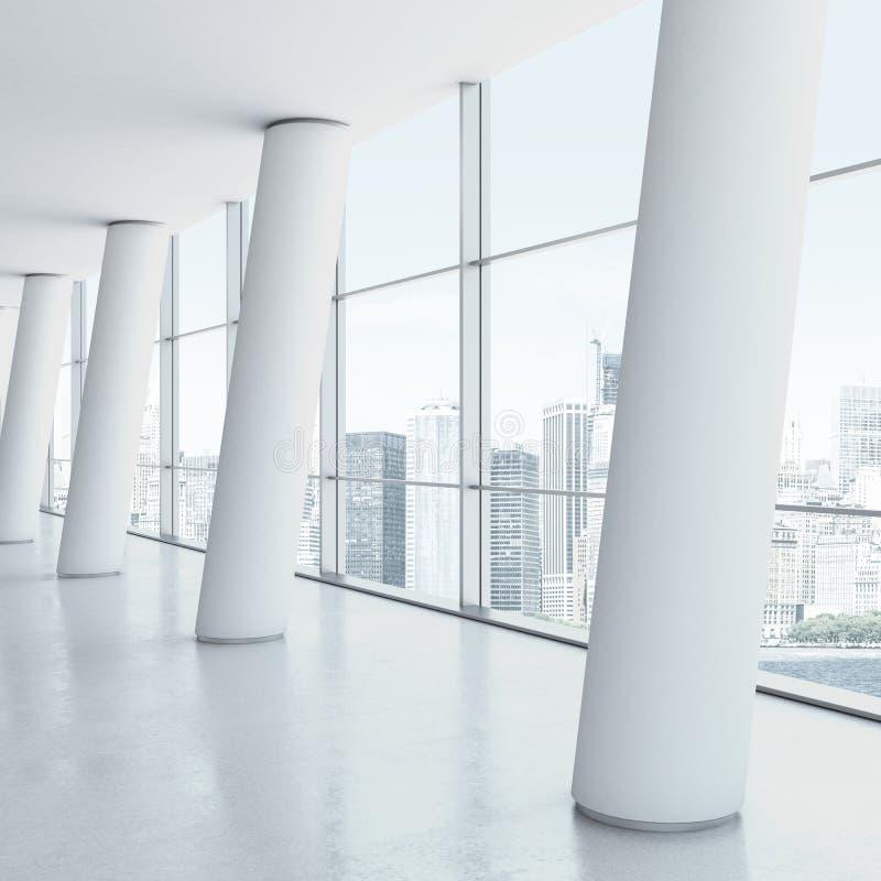 Interior de la oficina con las columnas fotografía de archivo