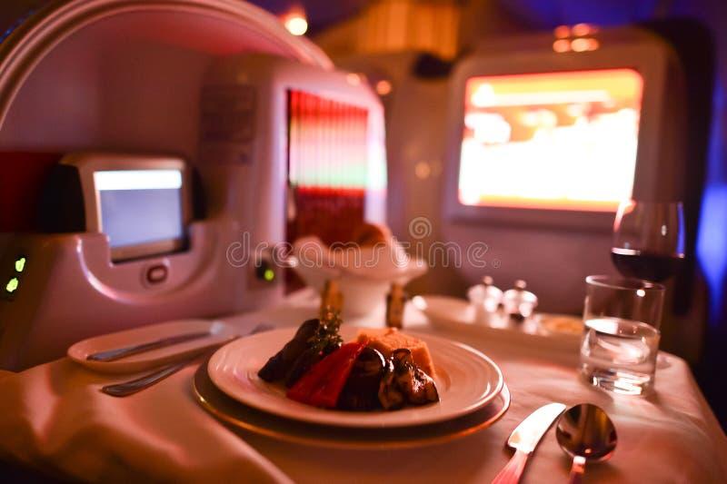 Interior de la primera clase Boeing-777 de los emiratos fotos de archivo libres de regalías