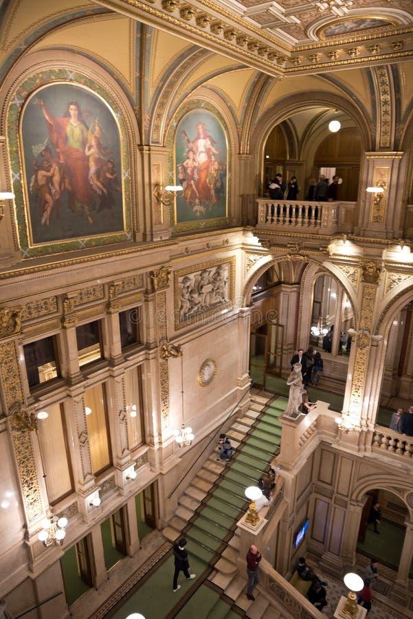 Interior de la salchicha de Frankfurt Staatsoper fotos de archivo
